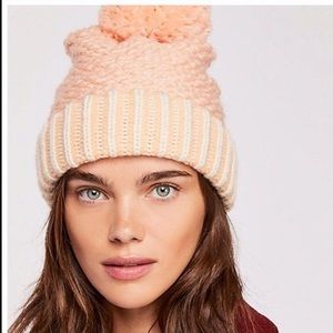 Free People Luxe Slouchy Coral Pom Beanie NWT